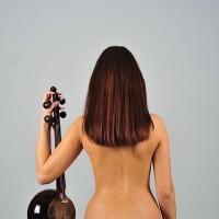 erotica-734089_640